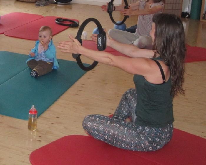 Pilates mit Baby